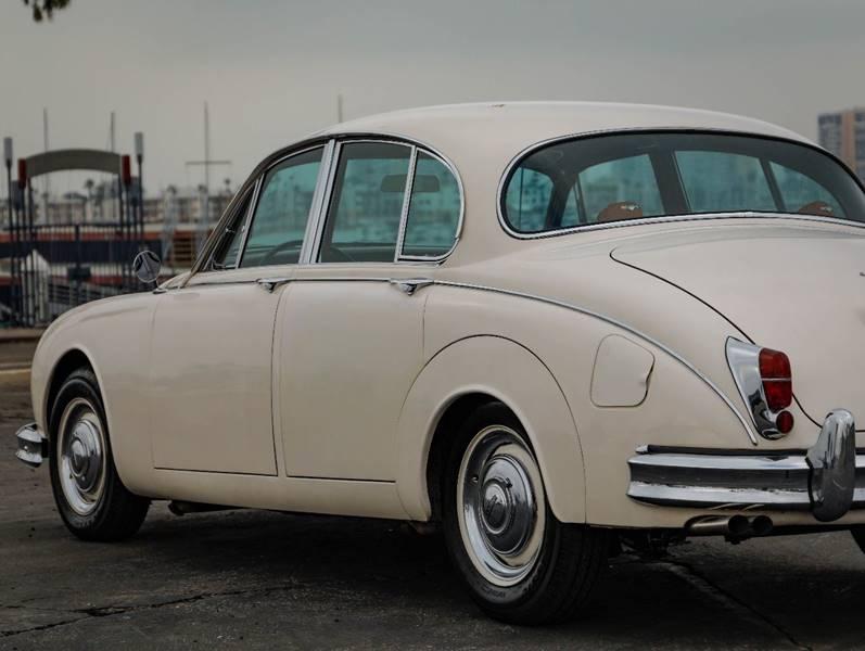 1962 Jaguar MK ll (image 10)