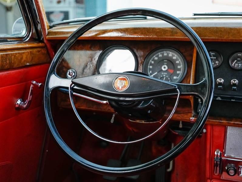 1962 Jaguar MK ll (image 33)