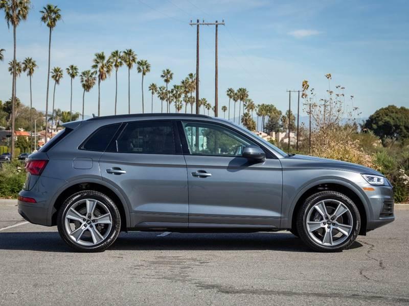 2020 Audi Q5 2.0T quattro Premium Plus (image 9)