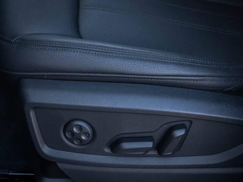2020 Audi Q5 2.0T quattro Premium Plus (image 25)