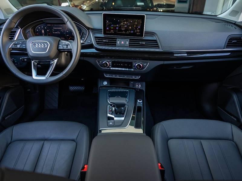 2020 Audi Q5 2.0T quattro Premium Plus (image 28)
