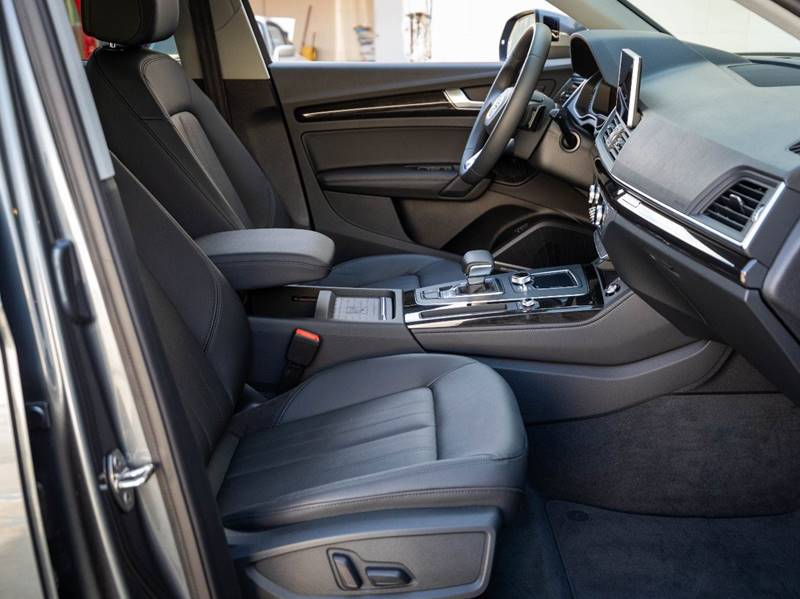 2020 Audi Q5 2.0T quattro Premium Plus (image 34)