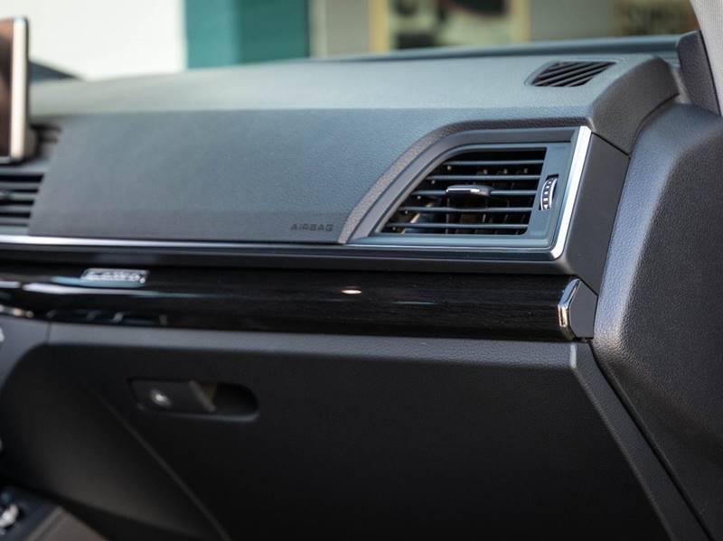 2020 Audi Q5 2.0T quattro Premium Plus (image 36)