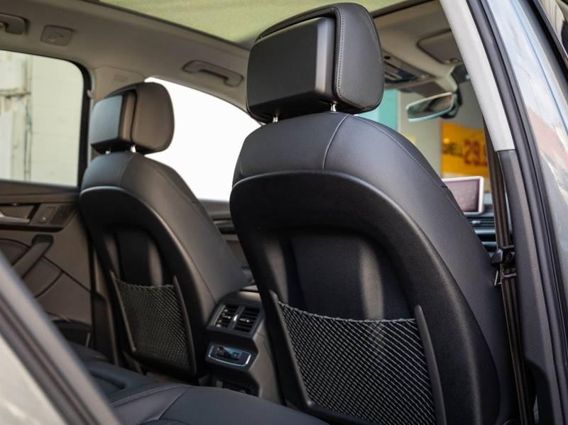 2020 Audi Q5 2.0T quattro Premium Plus (image 40)