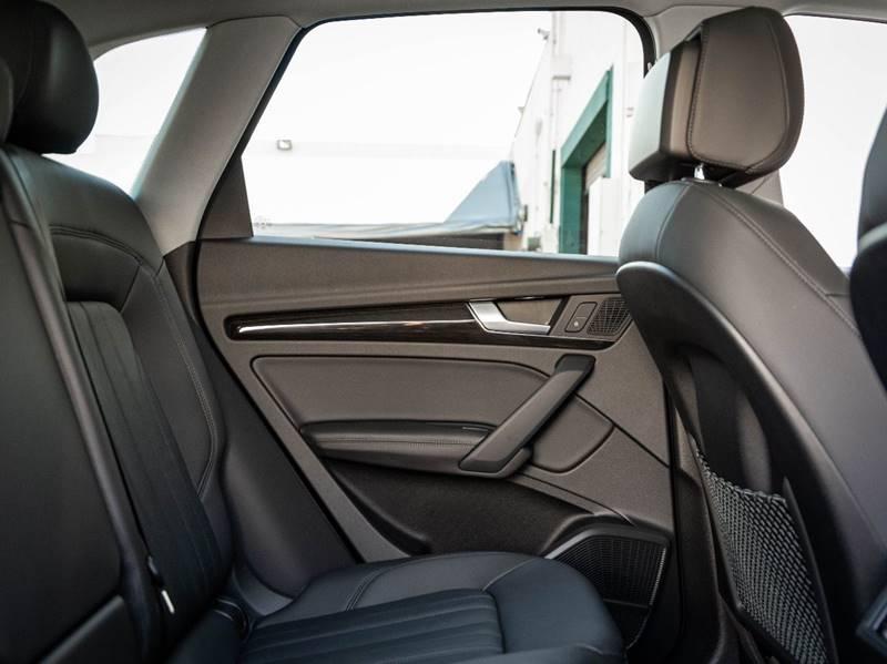 2020 Audi Q5 2.0T quattro Premium Plus (image 42)