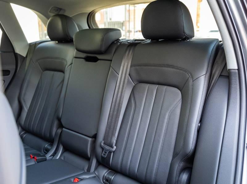 2020 Audi Q5 2.0T quattro Premium Plus (image 45)