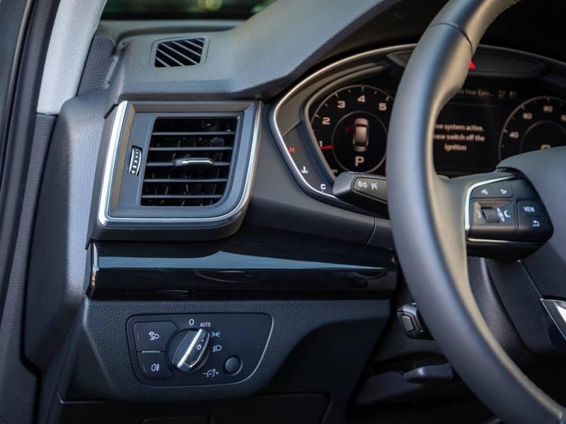 2020 Audi Q5 2.0T quattro Premium Plus (image 46)