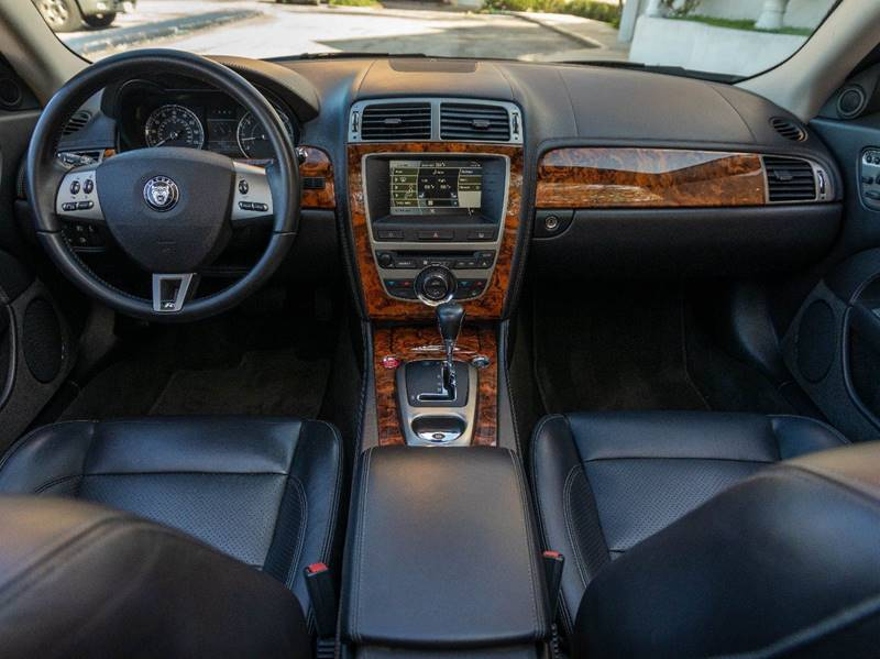 2007 Jaguar XK-Series XKR (image 30)