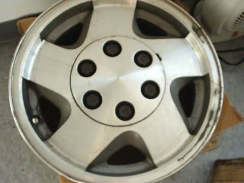 1999 Chevrolet GMC truck wheel for sale in Colonial Heights, VA