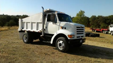 1998 Ford Louisville 8500 for sale in Round Mountain, TX