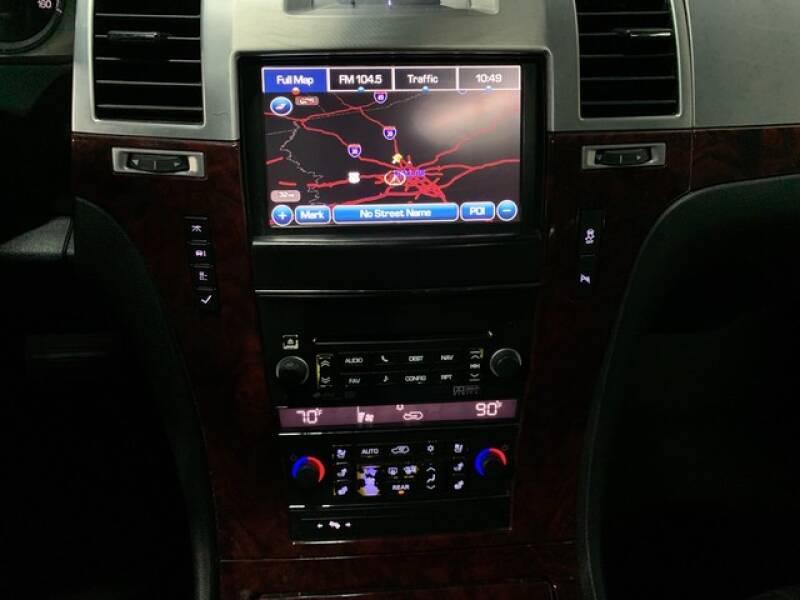 2013 Cadillac Escalade Luxury (image 40)