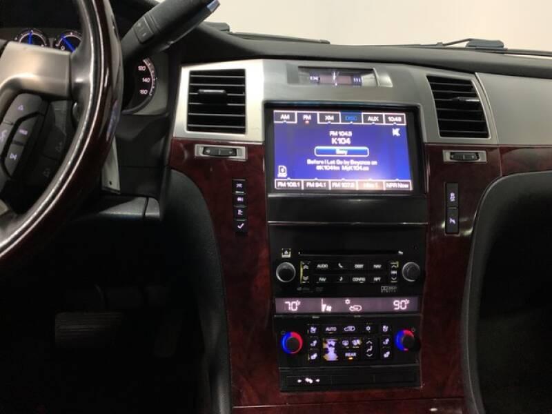 2013 Cadillac Escalade Luxury (image 35)