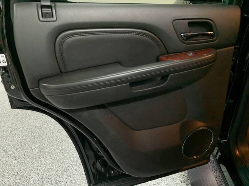 2013 Cadillac Escalade Luxury (image 30)