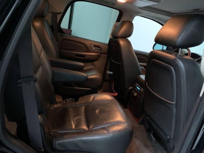 2013 Cadillac Escalade Luxury (image 21)