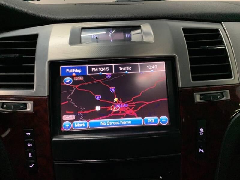 2013 Cadillac Escalade Luxury (image 39)