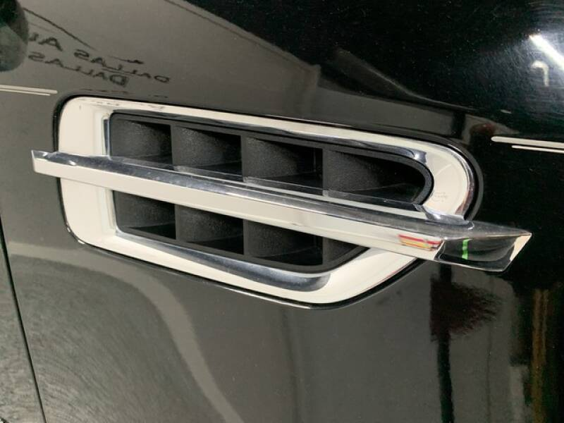 2013 Cadillac Escalade Luxury (image 4)