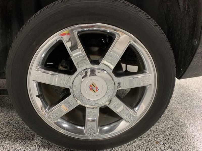 2013 Cadillac Escalade Luxury (image 44)