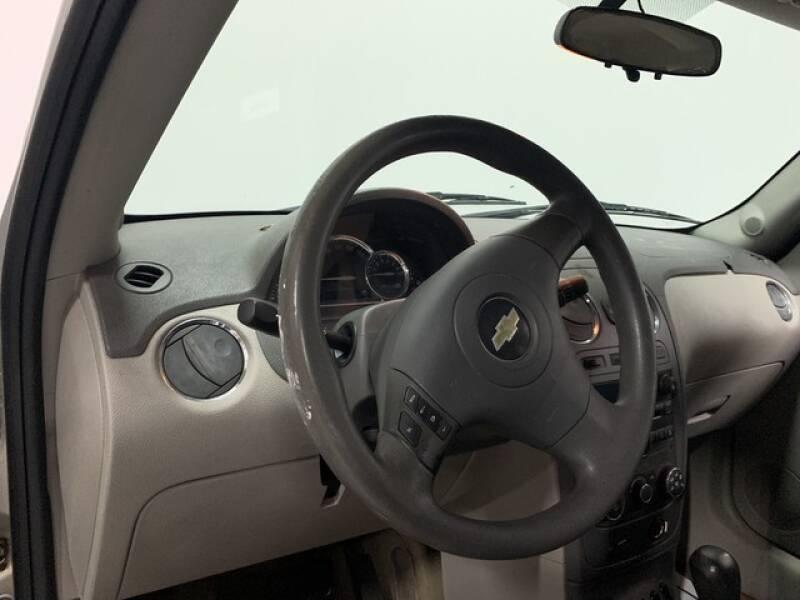 2006 Chevrolet HHR LS (image 9)