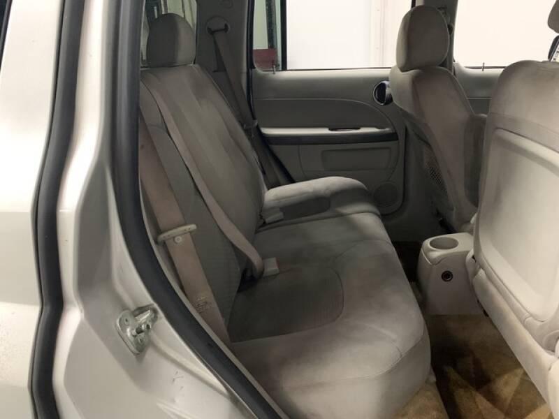 2006 Chevrolet HHR LS (image 17)