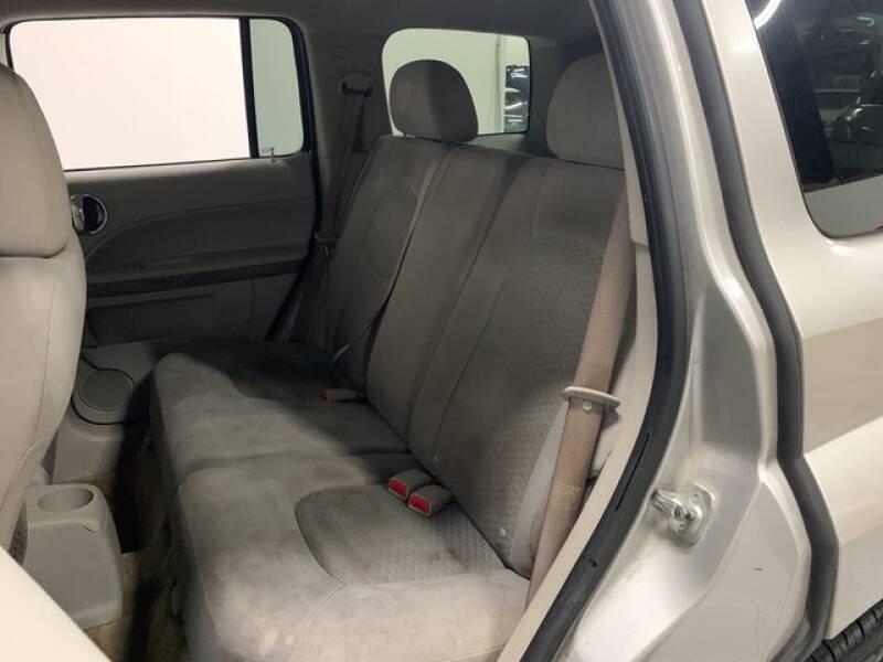 2006 Chevrolet HHR LS (image 22)