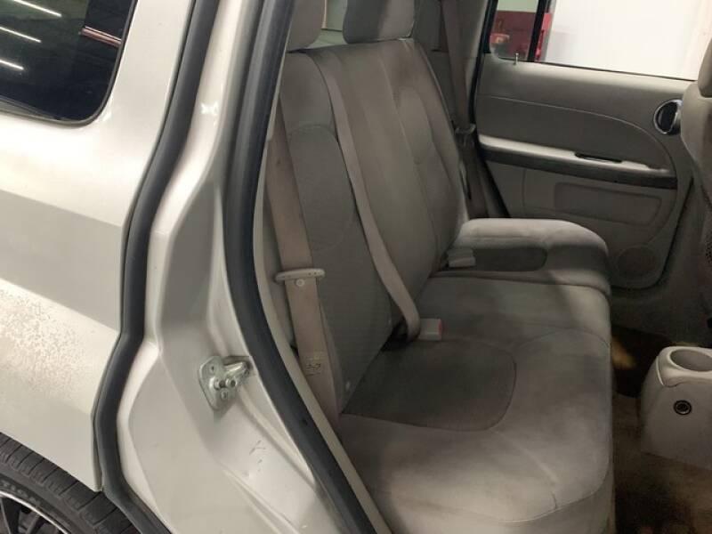 2006 Chevrolet HHR LS (image 18)