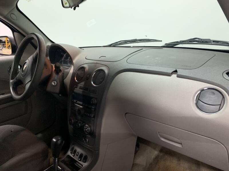 2006 Chevrolet HHR LS (image 14)
