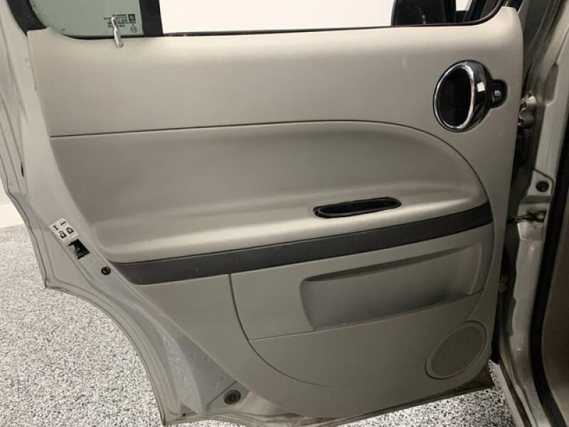 2006 Chevrolet HHR LS (image 23)