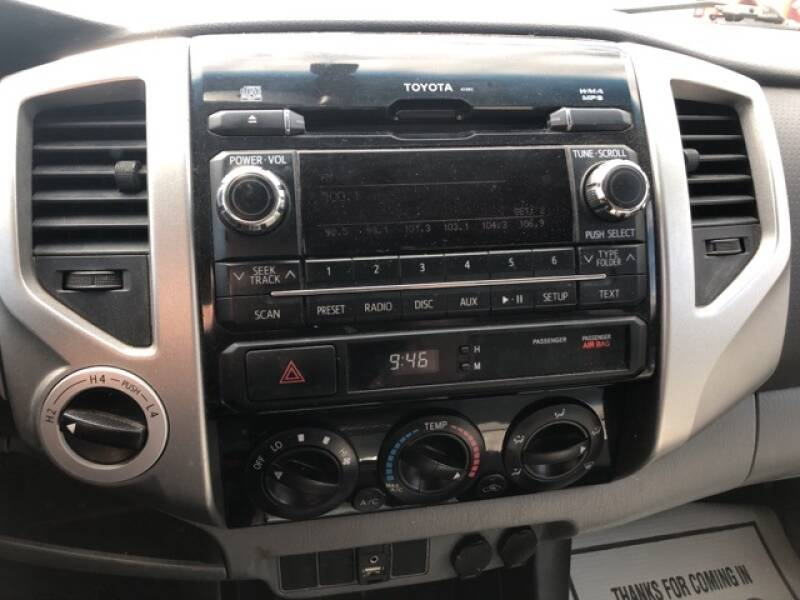 2012 Toyota Tacoma V6 (image 16)