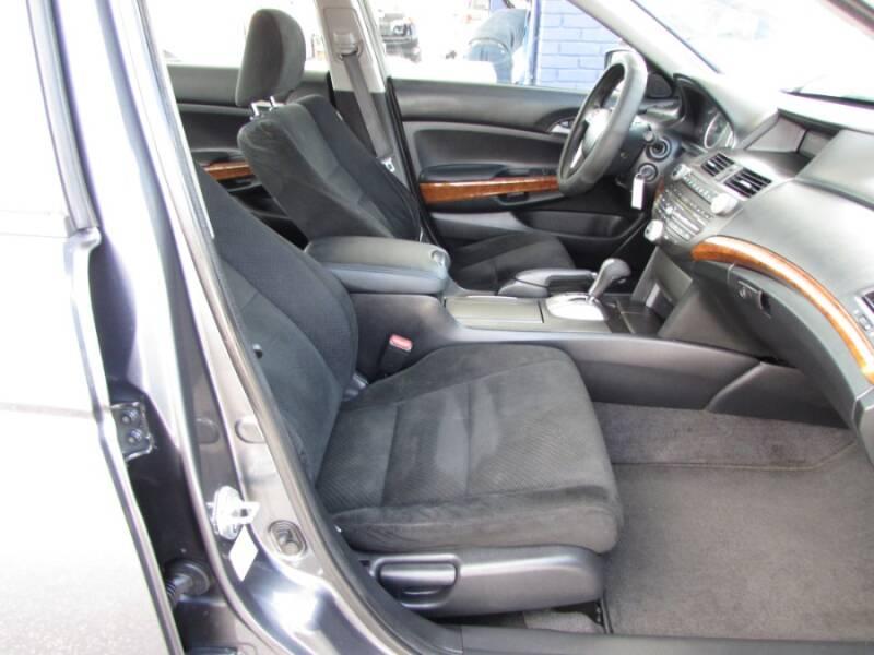2011 Honda Accord EX V6 (image 41)