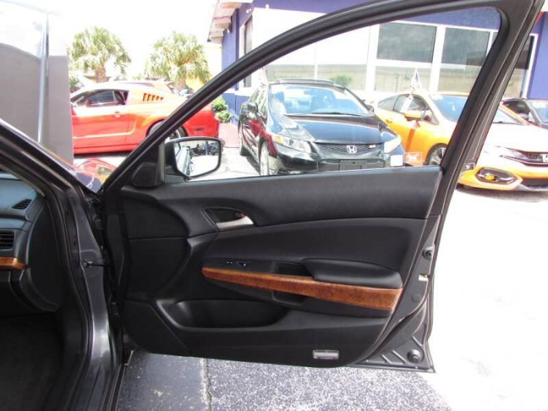 2011 Honda Accord EX V6 (image 45)