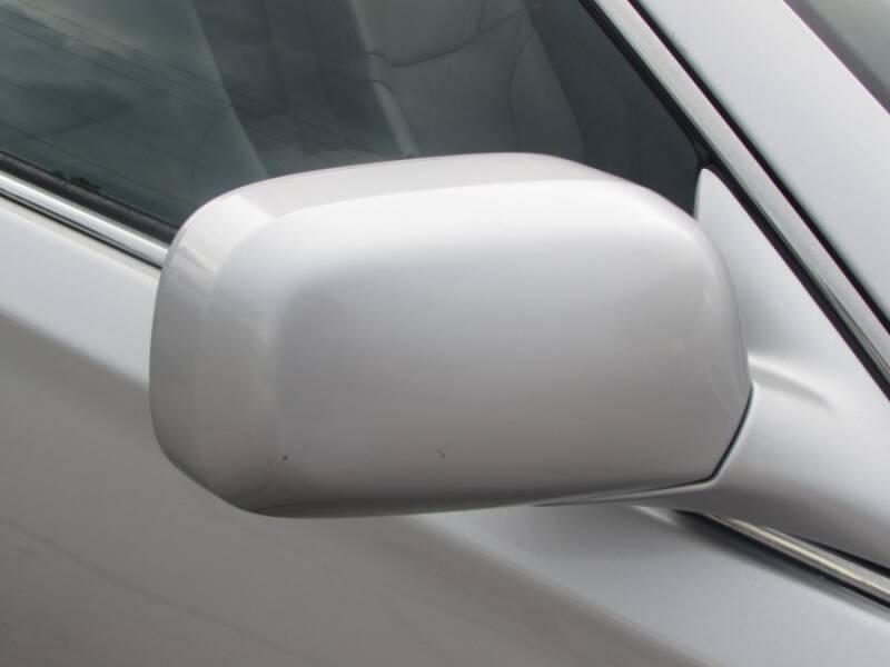 2005 Lexus ES 330 (image 15)