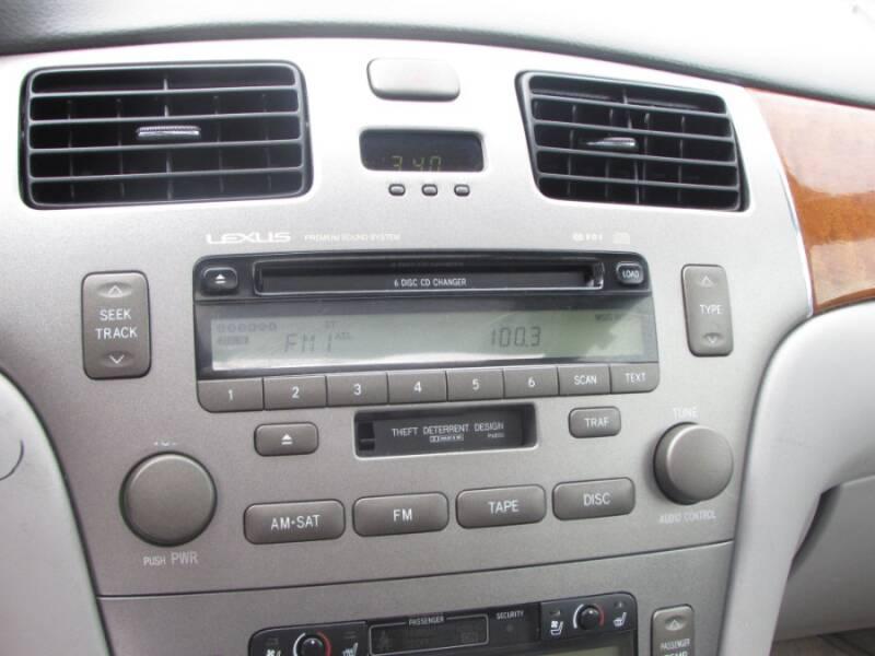 2005 Lexus ES 330 (image 24)