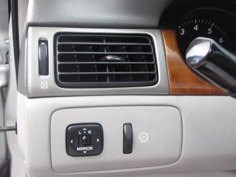 2005 Lexus ES 330 (image 28)