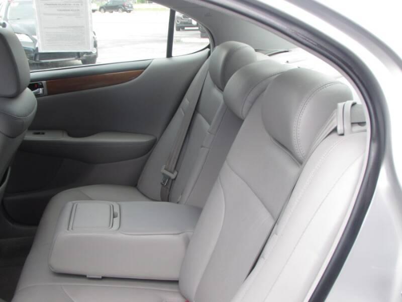 2005 Lexus ES 330 (image 36)