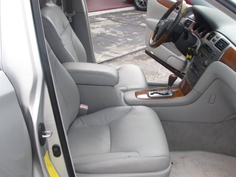 2005 Lexus ES 330 (image 40)