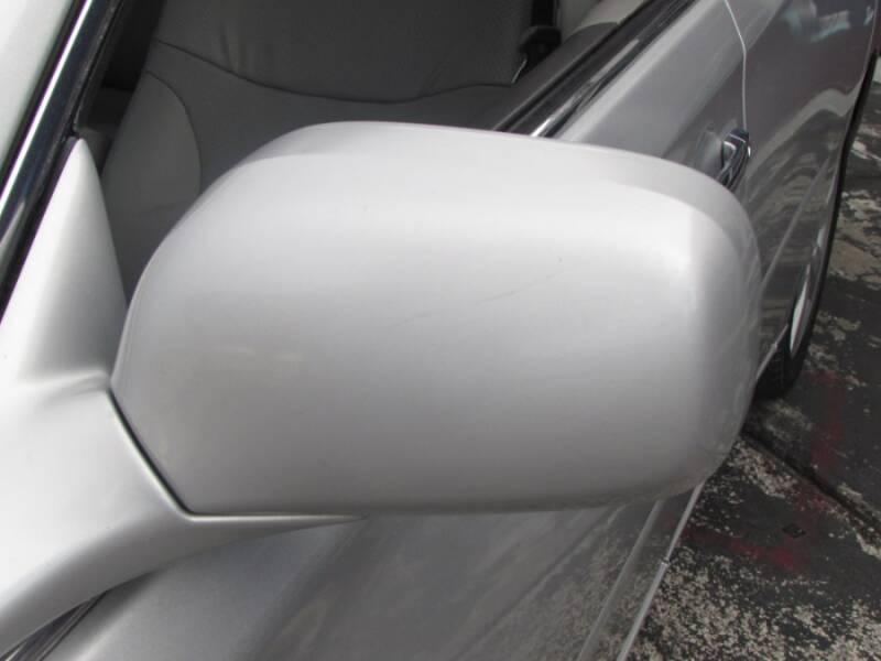 2005 Lexus ES 330 (image 18)