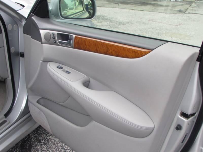 2005 Lexus ES 330 (image 41)
