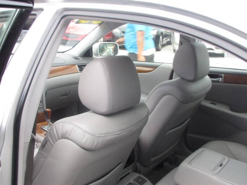 2005 Lexus ES 330 (image 34)