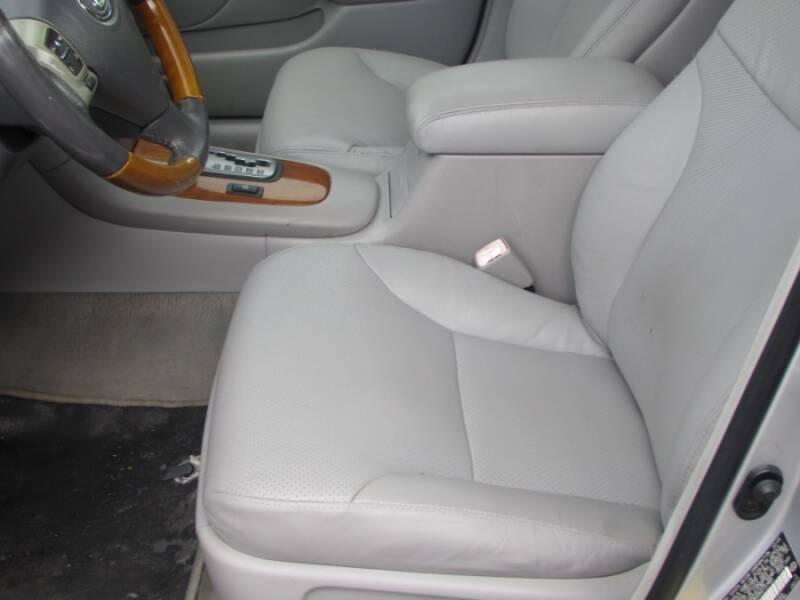 2005 Lexus ES 330 (image 31)