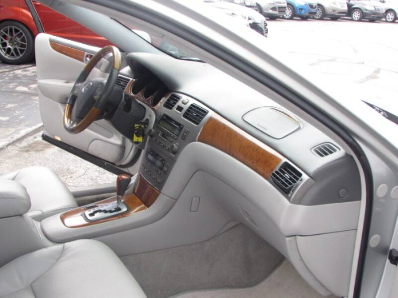 2005 Lexus ES 330 (image 39)