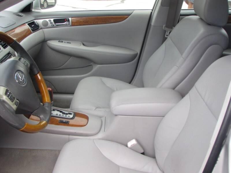 2005 Lexus ES 330 (image 33)