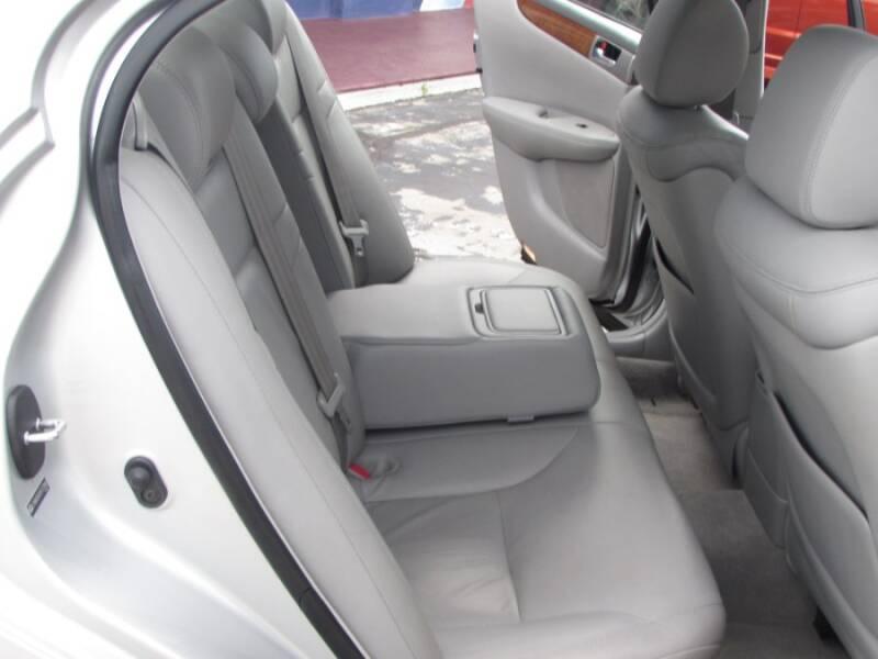 2005 Lexus ES 330 (image 38)