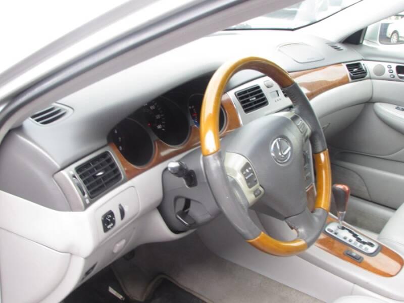 2005 Lexus ES 330 (image 30)