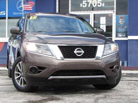 2015 Nissan Pathfinder for sale at VIP AUTO ENTERPRISE INC. in Orlando FL