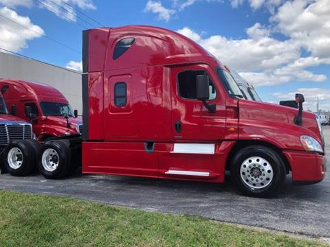 2016 Freightliner Cascadia for sale in Hialeah Gardens, FL