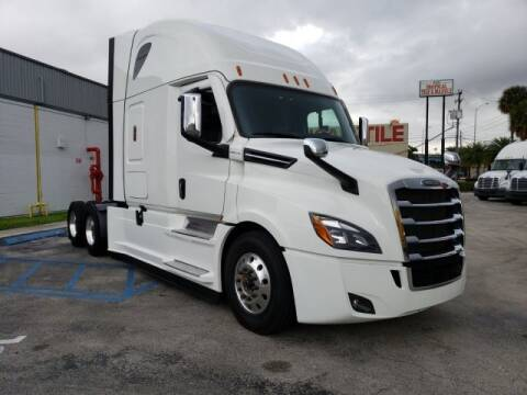 2021 Freightliner Cascadia for sale at LOU BACHRODT TRUCK GROUP in Hialeah Gardens FL