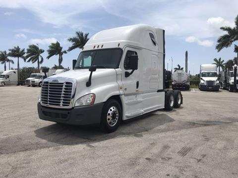 2016 Freightliner Cascadia for sale in Pompano Beach, FL
