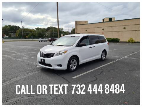 2013 Toyota Sienna for sale at Ultimate Motors in Port Monmouth NJ