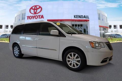 2016 Chrysler Town and Country for sale in Miami, FL