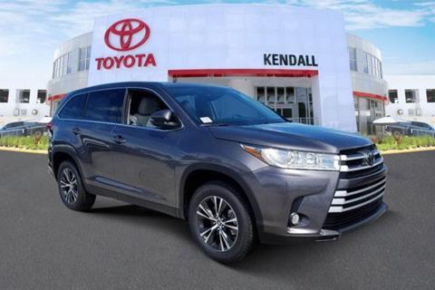 2019 Toyota Highlander for sale in Miami, FL